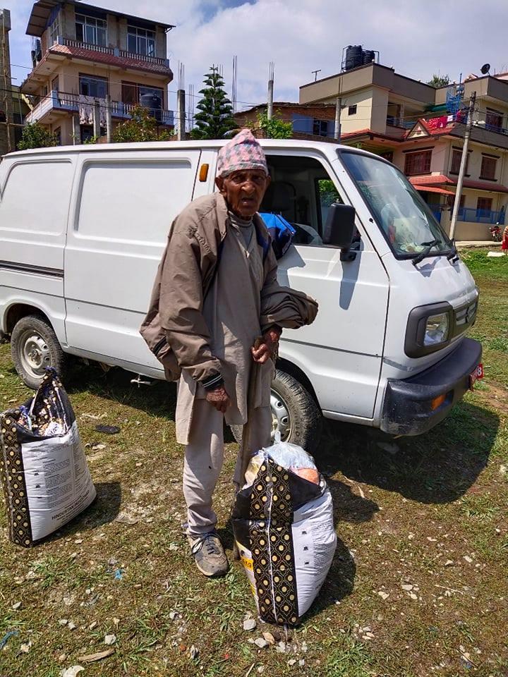 Corona en voedselpakketen Nepal