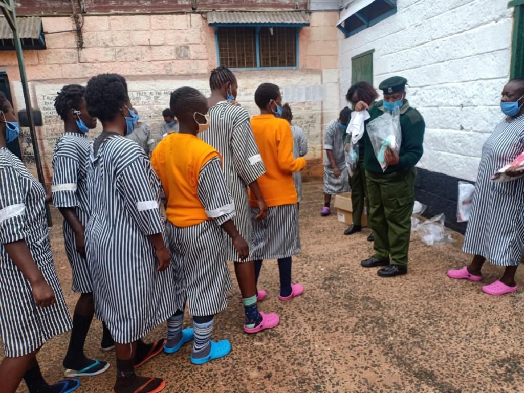 Een oproep uit een Keniaanse vrouwengevangenis: Veel onderbroeken graag!