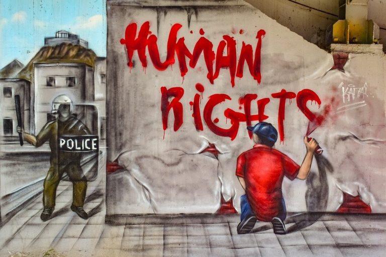When nobody is watching. De impact van Covid-19 op mensenrechten en het milieu.